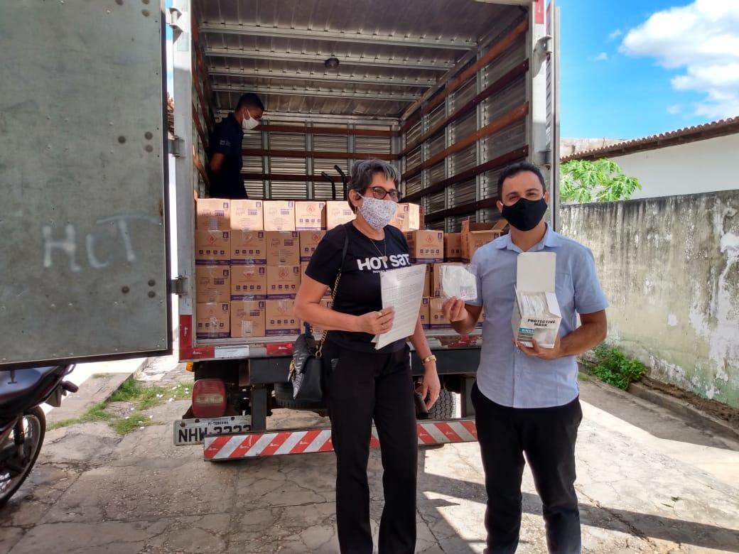 Doação de Máscaras e Álcool 70% em Floriano-PI