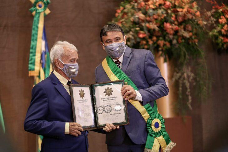 Sr. Albuquerque é homenageado pelo Governo do Piauí